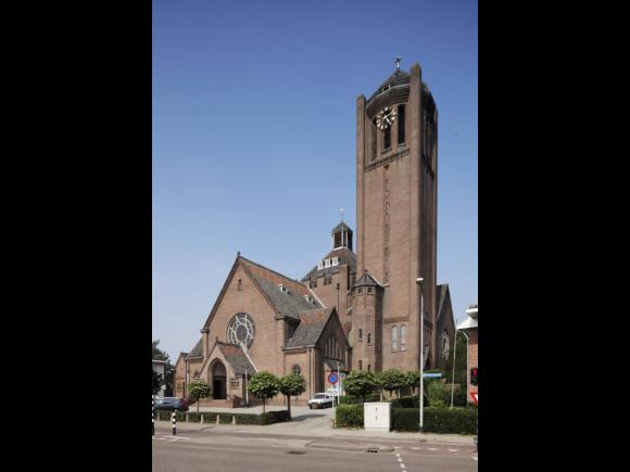 Broekhovense kerk en pastorie, Tilburg